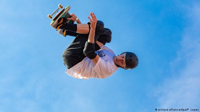 Tony Hawk Skateboard (picture-alliance/dpa/P. Lopes)