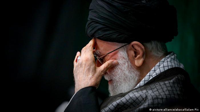 Ayatollah Ali Khamenei Tehran (picture-alliance/abaca/Salam Pix)