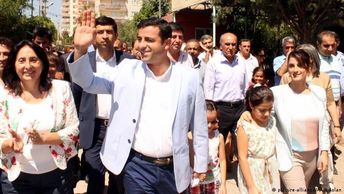 Selahattin Demirtaş 4 Kasım 2016'dan bu yana tutuklu bulunuyor