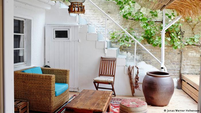 Frey & Frey Guesthouses: восточный стиль в интерьере