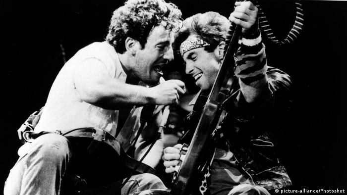 Bruce Springsteen mit Nils Lofgren