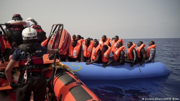 El Ocean Viking rescata migrantes en las costas de Libia. (Archivo).