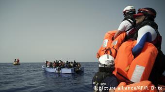 Διάσωση προσφύγων και μεταναστών στα ανοιχτά της Λιβύης τον περασμένο Σεπτέμβριο