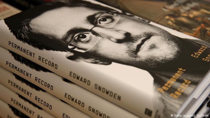 """Резултат с изображение за """"дуард Сноудън"""""""