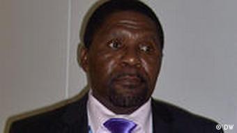Isaías Samakuva, presidente da UNITA. Partido desfalcado?