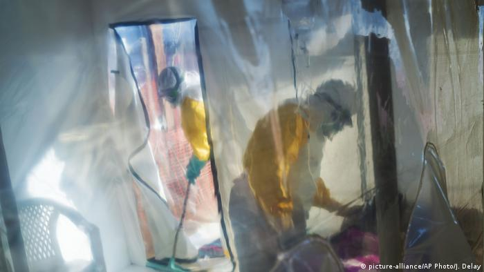ebola workers in Congo