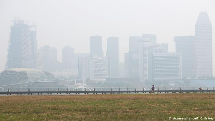 Smoky haze in Singapore