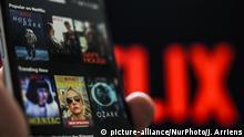Smartphone mit Netflix-App