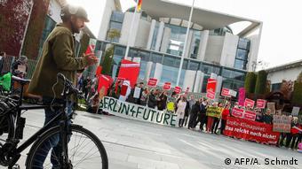 Διαδήλωση για το κλίμα μπροστά στην καγκελαρία