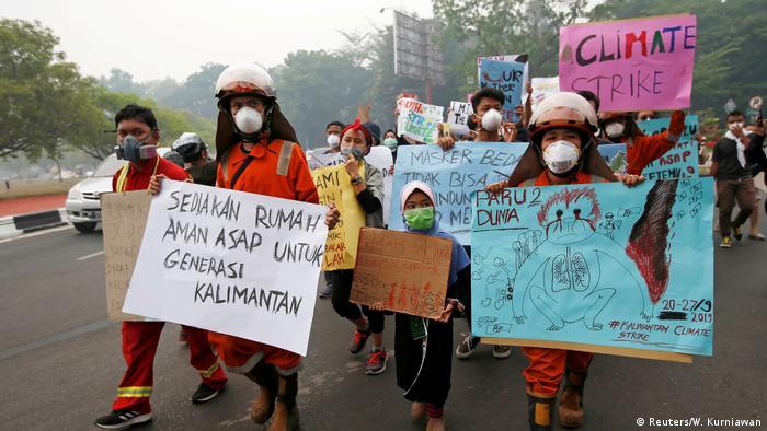 BG FFF weltweit | Indonesien | Klimastreik | Global Strike 4 Climate | Palangka Raya (Reuters/W. Kurniawan)