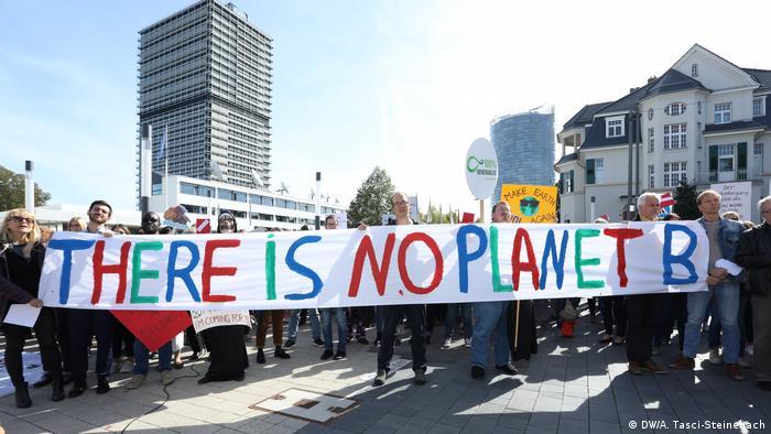 Deutschland FFF Protestag in Bonn, Platz der Vereinten Nationen