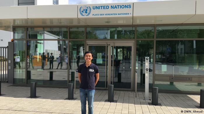 Sebagai mahasiswa United Nations University, Fikri berkuliah di markas PBB di Bonn, Jerman.