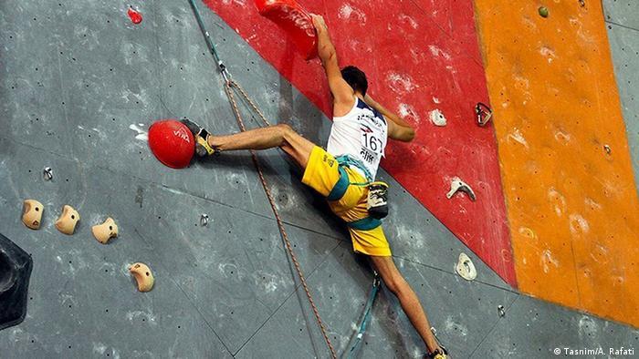 دومین دوره مسابقات سنگنوردی باشگاههای ایران با حضور ۱۱ تیم از در قسمت زنان و مردان از تاریخ ۲۲ تا ۲۹ شهریور ماه در سالن سنگنوردی فرهاد همدان برگزار شد.