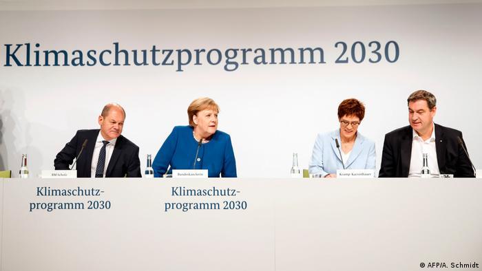 Liderzy partii chadeckich z kanclerz Merkel i wicekanclerzem