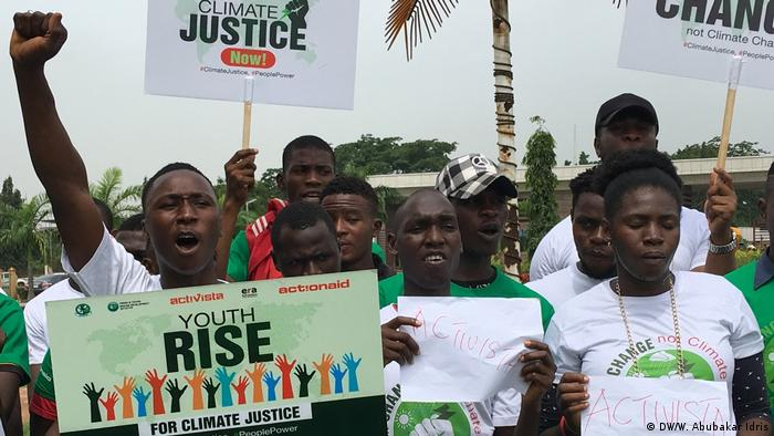 Nigeria, Abuja | Klimastreik: Fridays for Future use (DW/W; Abubakar Idris)