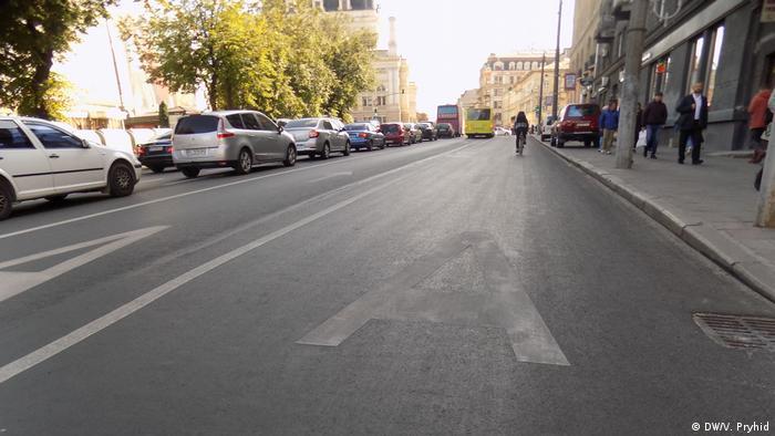 Смуга для громадського транспорту на вулиці Львова