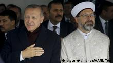 Turkey's Tayyip Erdogan and Ali Erbas (picture-alliance/AA/E. Top )