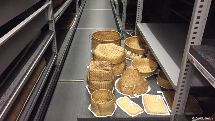 Objetos almacenados en el nuevo depósito del Museo Rautenstrauch-Joest.