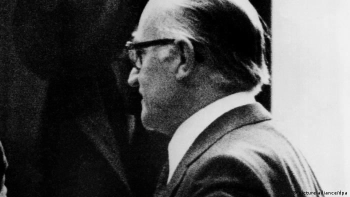 Listopad 1975: Heinrich Schuetz na procesie w Monachium