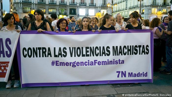 Spanien Madrid Protest gegen Gewalt gegen Frauen