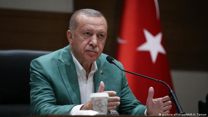 Türkei Istanbul Airport Präsident Recep Tayyip Erdogan (picture-alliance/AA/A.H. Yaman)
