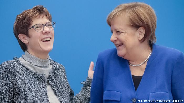 Bivše predsjednice CDU-a Annegret Kramp-Karrenbauer i Angela Merkel