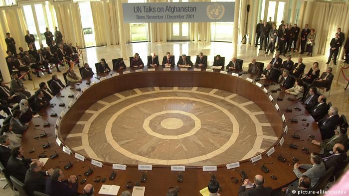 Bildergalerie Petersberg bei Bonn   Afghanistan-Konferenz 2001 (picture-alliance/dpa)
