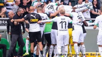 Fußball Bundesliga Borussia Mönchengladbach - Fortuna Düsseldorf | Jubel Mönchengladbach (picture-alliance/dpa/M. Becker)
