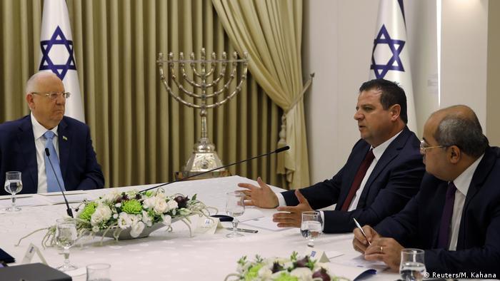 Arabische Liste empfiehlt Gantz als Israels Premier | Reuven Rivlin und Aiman Odeh (Reuters/M. Kahana)