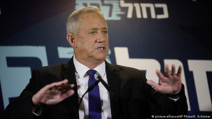 Arabische Liste empfiehlt Gantz als Israels Premier | Benny Gantz (picture-alliance/AP Photo/S. Scheiner)
