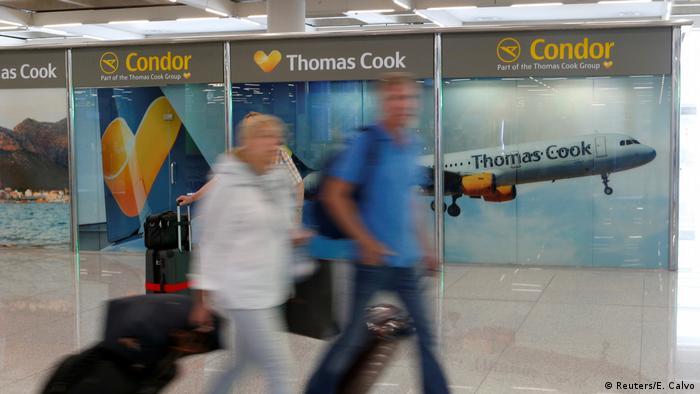 Thomas Cook Passagiere am Flughafen Palma de Mallorca