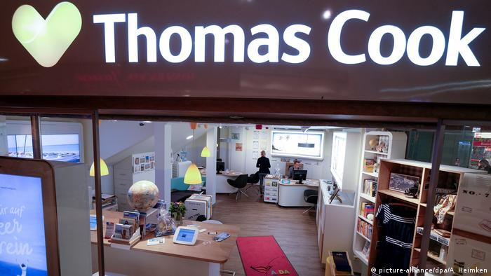 Thomas Cook travel store in Germany (picture-alliance/dpa/A. Heimken)
