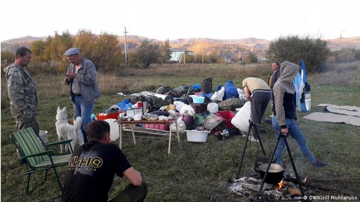 Лагерь сторонников шамана Александра Габышева вблизи Байкала