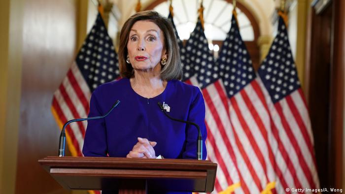 USA | Nancy Pelosi will Donald Trumps Amtsenthebung einleiten (Getty Images/A. Wong)