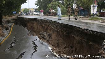 Pakistan Erdbeben (picture-alliance/AP Photo/A. Naveed)