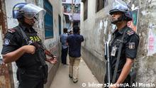 ***ACHTUNG: Bild nur zur mit bdnews24.com vereinbarten Berichterstattung verwenden!*** Rapid Action Battalion (RAB) seized cash, gold and firearms in raids on the residences of local Awami League leaders Enamul Haque, Rupon Bhuiyan, one of their friends and an employee in Dhaka's Gandaria on 24 September, 2019. Rights: bdnews24.com/A. Al Momin