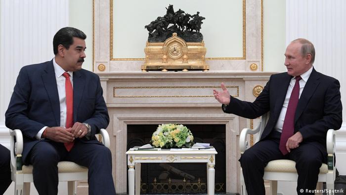 """Rusia respalda """"todos los órganos de poder legítimo de Venezuela, incluida su Presidencia y su Parlamento"""" y el diálogo """"con las fuerzas de oposición"""", señaló Putin al inicio de su reunión con Maduro en el Kremlin. (25.09.2019)."""