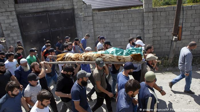 Georgien Begräbnis von Zelimkhan Khangoshvili, Kämpfer im 2. tschetschenischen Krieg