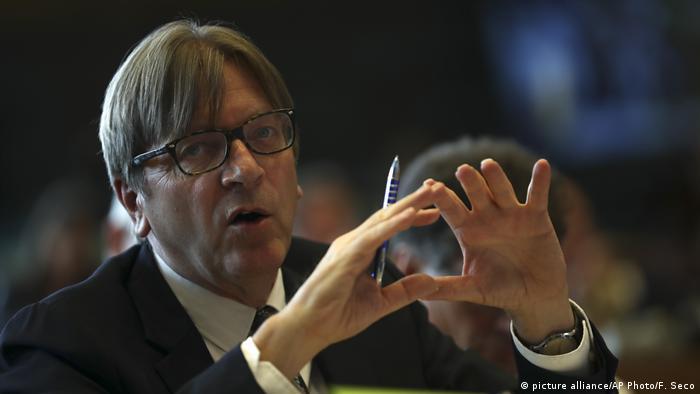 Guy Verhofstadt (picture alliance/AP Photo/F. Seco)