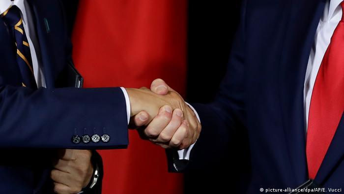 USA Trump und Abe unterzeichnen Handelsabkommen