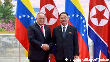 Venezuelan delegation in N.K. Diosdado Cabello (L), president of Venezuela's National Constituent Assembly and leader of a high-level Venezuelan delegation, shakes hands with Pak Thae-song, chairman of North Korea's Supreme People's Assembly, during a welcome ceremony at the Mansudae Assembly Hall in Pyongyang on Sept. 24, 2019, in this photo released by the Korean Central News Agency the next day. (For Use Only in the Republic of Korea. No Redistribution) (Yonhap)/2019-09-25 16:39:37/ | Keine Weitergabe an Wiederverkäufer.
