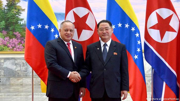 Cabello y Pak Thae-song, en Pyongyang.