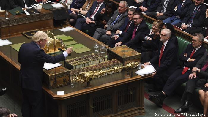 London House of Commons Debatte Britain Brexit (picture-alliance/AP Photo/J. Taylor)