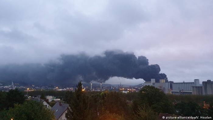 Дим від пожежі на заводі Lubrizol у Руані