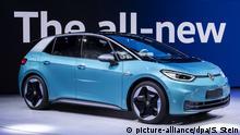 09.09.2019, Hessen, Frankfurt/Main: Das neue Elektroauto ID.3 der Marke Volkswagen wird auf dem Messegelände der IAA (Internationale Automobil-Ausstellung) präsentiert. Die IAA wird am Donnerstag (12.09.) offiziell eröffnet. Foto: Silas Stein/dpa   Verwendung weltweit