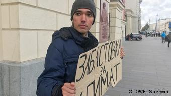 Protestando, aún en Moscú: Arshak Makichyan.