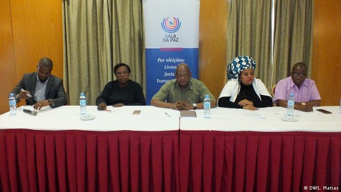 Foto de arquivo: Conferência de imprensa da Sala da Paz