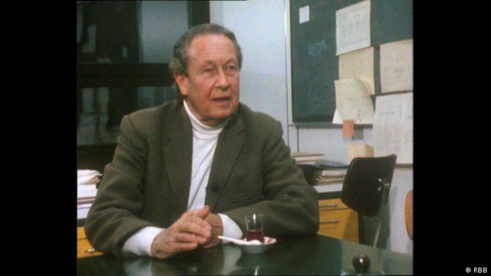 Po wojnie Claus Volkmann zasłynął jako lewicowy dziennikarz Peter Grubbe