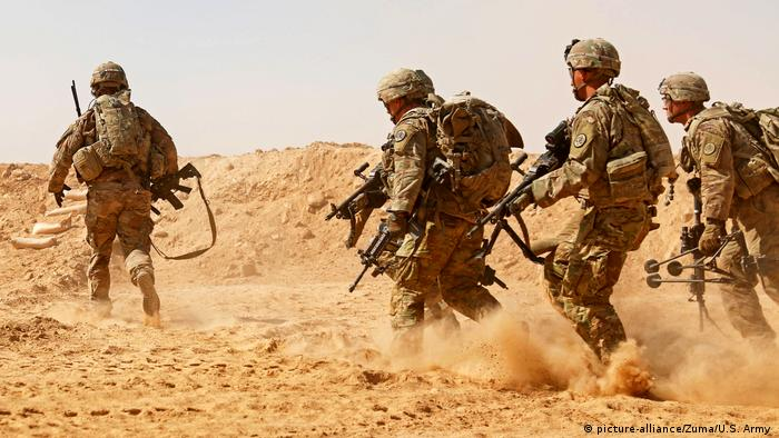 US soldiers perform a training in Iraq