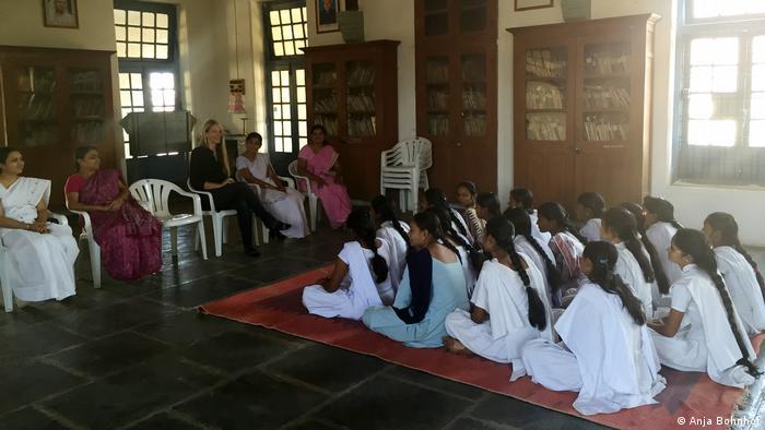 Anja Bohnhof in an ashram for women in India (Anja Bohnhof)